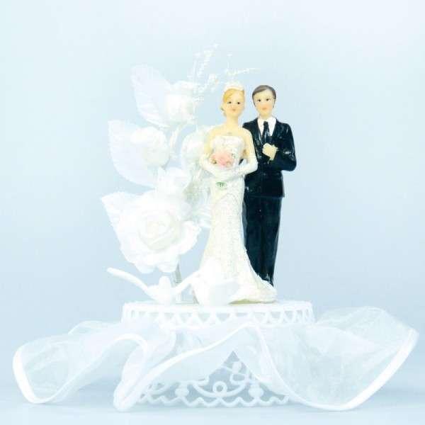 Brautpaar mit Tauben