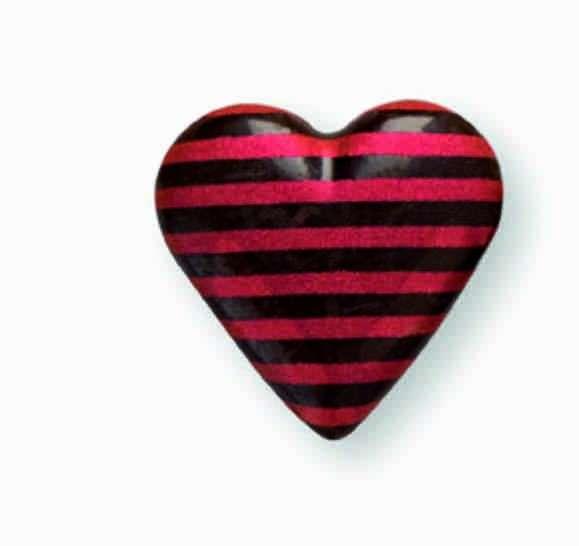 Schokoladendekor Herzen 3D mit roten Streifen dunkle Schokolade 580 Stck 18x18mm