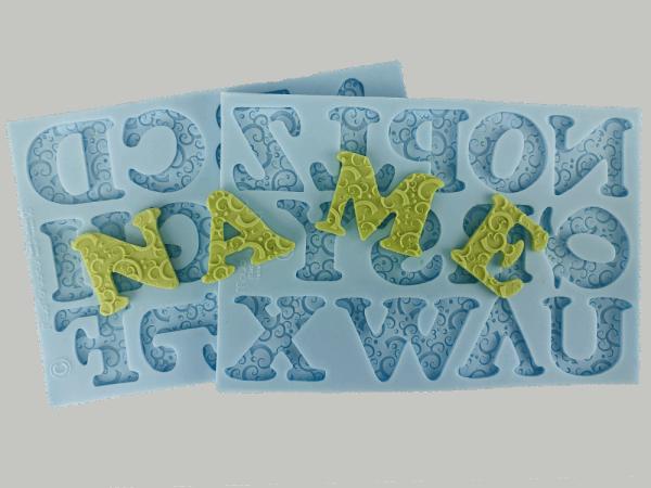 Silikonform für Fondant und Flowerpaste Großbuchstaben romantic swirl ca. 3,5cm